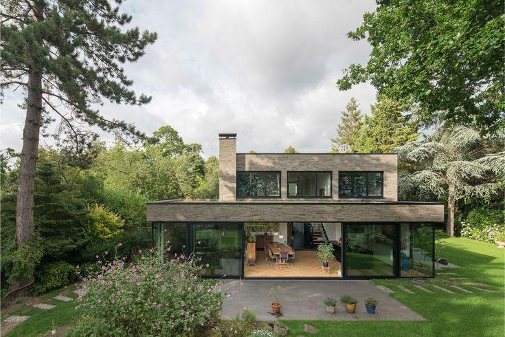 schuifpui en groen grijze langformaat stenen   JADE architecten