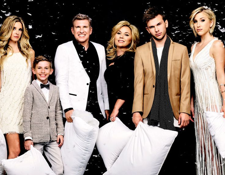 When CHRISLEY KNOWS BEST returns with 14 all-new episodes, it will be more…