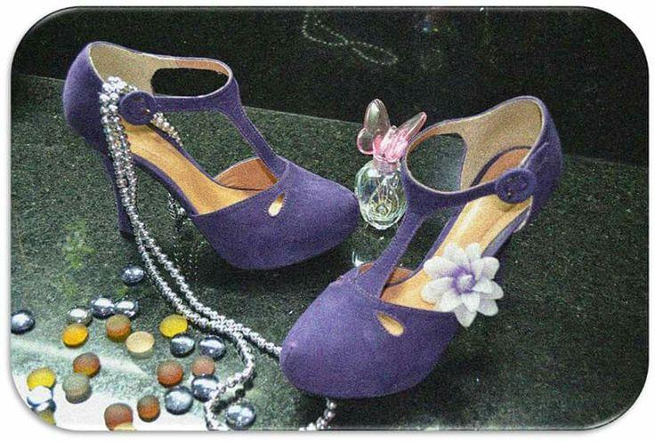 Zapatos Velez Colombianos http://el-armario-de-yeya.com/2015/03/19/zapatos-como-joyas-shoes-like-jewels/
