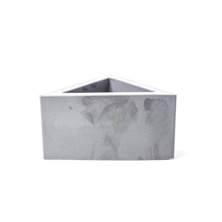 Concrete Triangular Prism Planter Triangular Prism 400 x 300