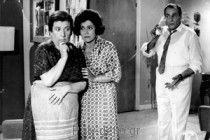 Η ΧΑΡΤΟΠΑΙΧΤΡΑ (1965) Ρένα Βλαχοπούλου, Λάμπρος Κωνσταντάρας, Λιλή Παπαγιάννη, Κώστας Βουτσάς, Χλόη Λιάσκου (Φίνος Φιλμ) Σενάριο-Σκηνοθεσία: Γιάννης Δαλιανίδης Μουσική: Μίμης Πλέσσας