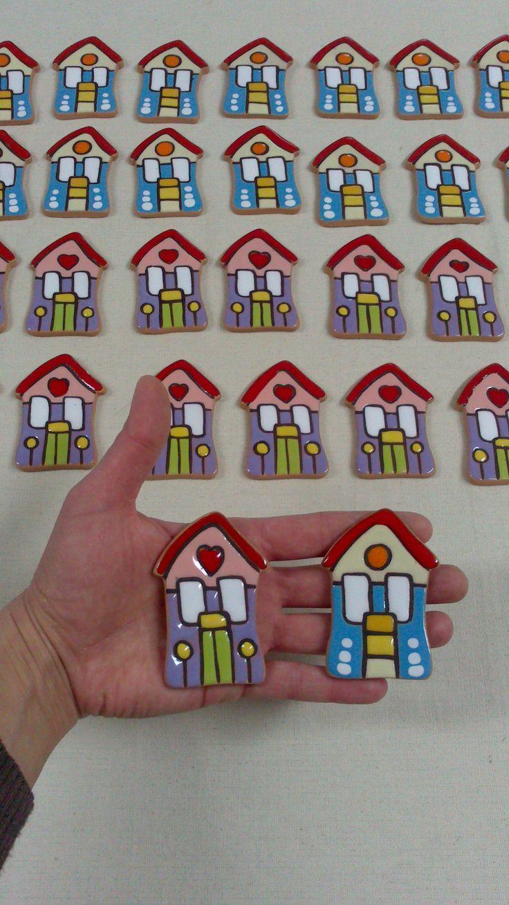 Piccole case magnete per bomboniera.
