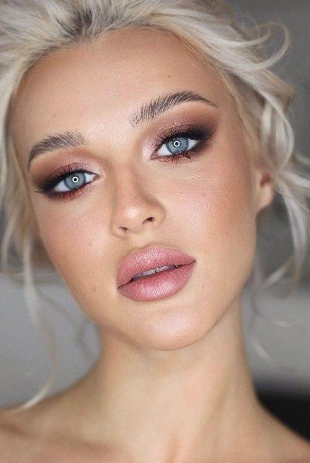 36 Ideas For Natural Bridal Makeup Natural Bridal Makeup Gentle Smokey Pink Lips Blonde Bride With Blue Makeup Fur Blaue Augen Blonde Braut Blaues Make Up