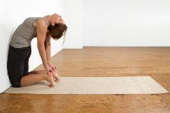 5 Exercises to Help You Get Into Upward Facing Bow Pose
