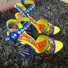 Lüks Renkli Baskı Çiçekler Kadın Platformu Sandalet Seksi Peep Toe Yüksek Topuklar Dilimleri Düğün Ayakkabı Kadın 2016 Yaz Lady Pompalar (Çin (Anakara))