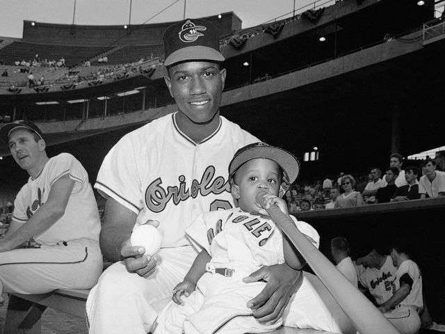 Paul Blair, Orioles' Gold Glove center fielder, dies at 69