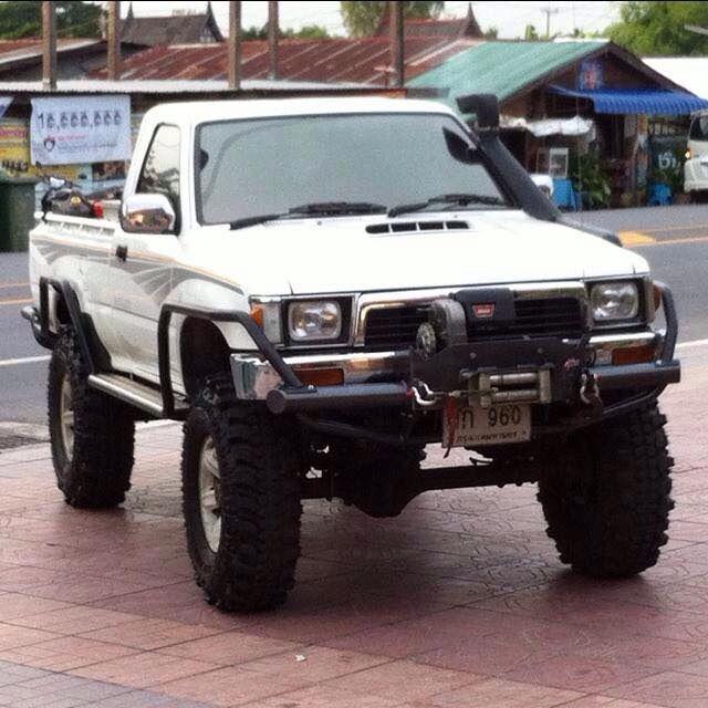 Hilux Ln106 4x4 In Thailand Toyota Hilux Toyota Trucks Toyota Pickup 4x4