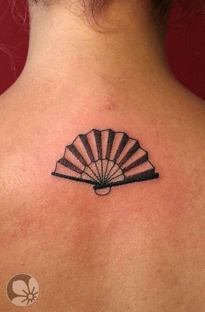 [www.tattoou.co.il :טאטו יו - כל מה שרצית לדעת על קעקועים] --- #Fan #tattoo קעקוע מניפה