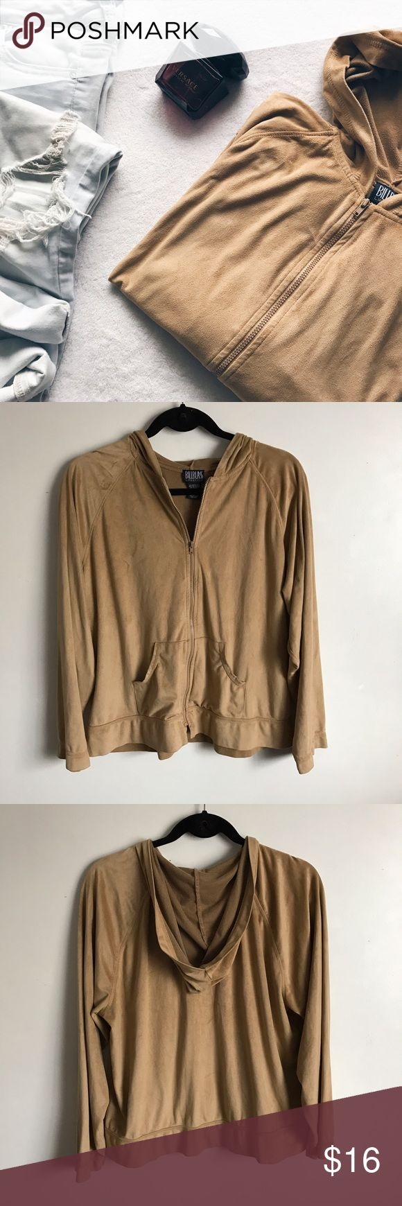 Suede Zip Up Sweatshirt in Nude/Camel Size XL. I'd say it's more of a large.  (I'm usually a size small/medium and that's how it fits me) Great condition, only flaw is the little stain on the bottom of the sleeve (see last pic). Supper cute color, goes with basically anything 😊. Sleeves are relaxed. No stretch band. Feel free to ask any questions😊 🔸let me know if you'd like some measurements, I'd be happy to help with that 🔸reasonable offers are welcome in my closet 🤝Bundle n Save📦…