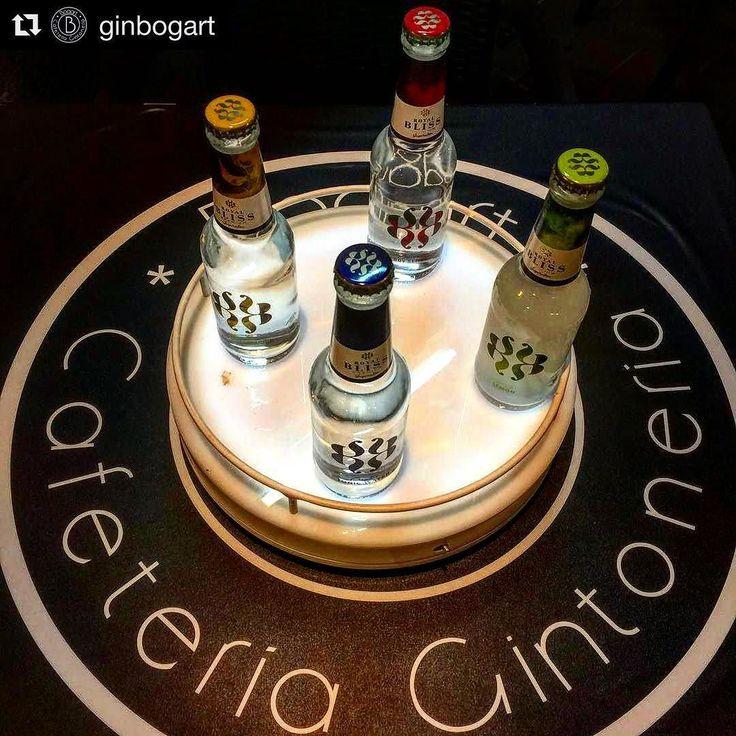#Repost @ginbogart (@get_repost)  @ginandtwitts da el pistoletazo de salida a la presentación de @philia.gin en @ginbogart con @mario_gallart y @royalbliss_es. Y que nunca falte @mr.lemonslices en tu copa. #mula #murcia #noroeste #amigos #gintonic #ginlovers