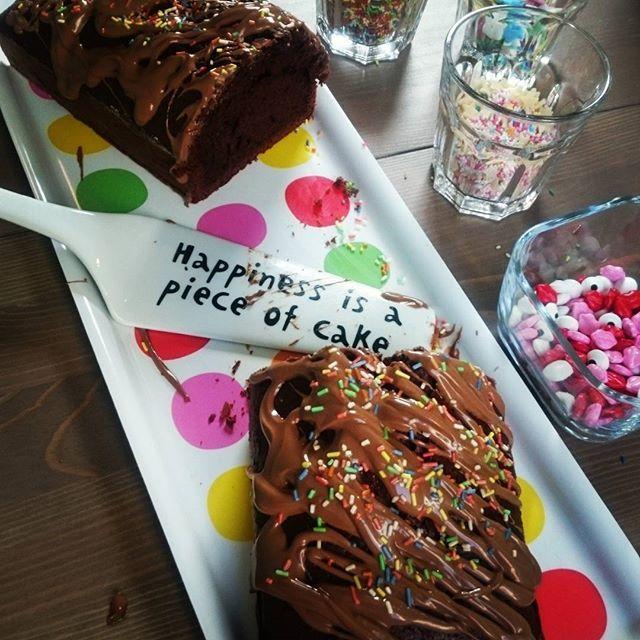 Sonntag ist Youtube-Video-Dreh-&-Back-Tag.  Und bei Euch so?  www.startnext.com/tortenzirkus  #sunday #baking #youtube #video #tortenzirkus #cake #schokolade #ramonadempsey #diy #justdoit #schokokuchen