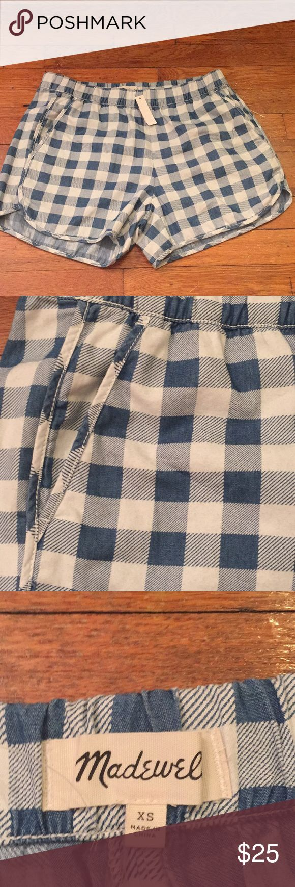 """NWT Madewell pull-on shorts in gingham check Our favorite pull-on shorts in timeless indigo checks. Super-comfortable and cool, they swap in effortlessly for a pair of cutoffs.  True to size. 3 1/2"""" inseam. Cotton. Madewell Shorts"""