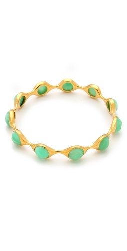 Gold and Mint >> love this >> http://rstyle.me/hukhydm4ge
