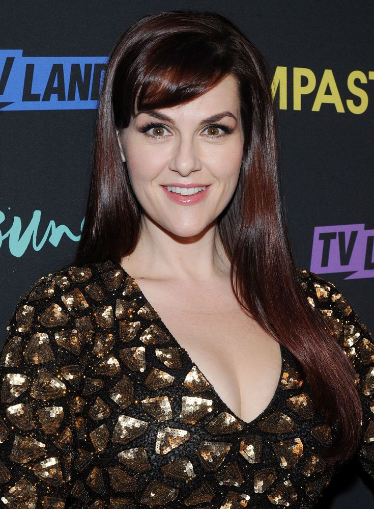 Sara Rue  Younger Season 3 and Impastor Season 2 Premiere in New York Sep-2016 Celebstills S Sara Rue