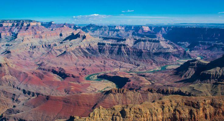Colorado rivier kronkelt door de Grand Canyon