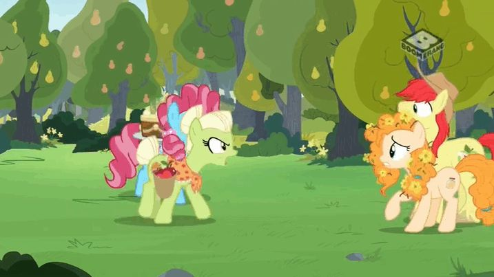 #1467743 - animated, baking, biting, boomerang (tv channel), bright mac, cake, chiffon swirl, cup cake, ear bite, ear pull, food, granny smith, pear butter, safe, screencap, spit, spoiler:s07e13, the perfect pear - Derpibooru - My Little Pony: Friendship is Magic Imageboard