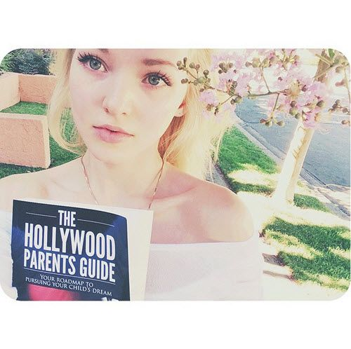 Dove Cameron Talked About Her Mom's New Book August 12, 2015 - Dis411