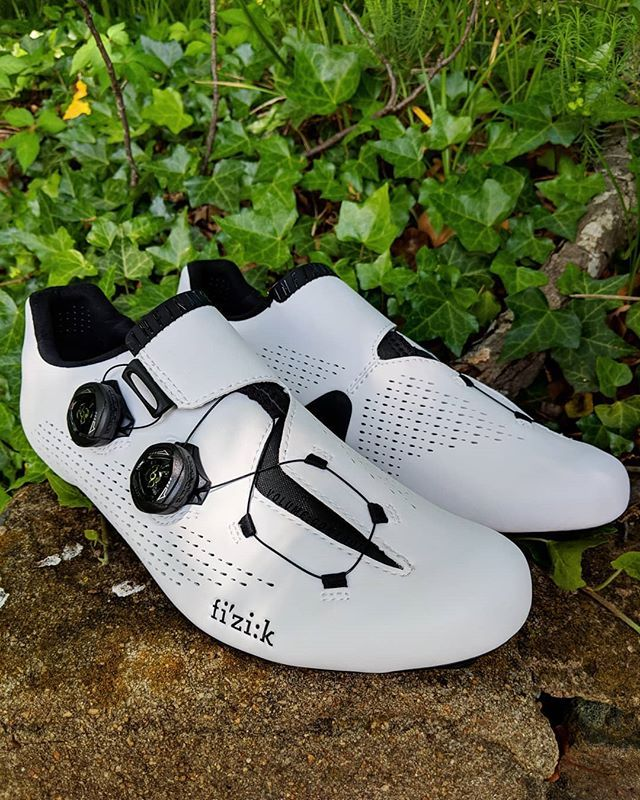4df0f936d76 13 riders from 6 teams in the Giro chose the Fizik Infinito R1 cycling shoes.  You should chose it too.  fizikshoes  infinitoR1  giro101  cyclingkicks