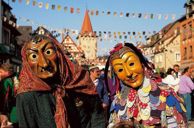 Hexen und Spättle: Hauptfiguren der Gengenbacher Fasnet im Kinzigtal.