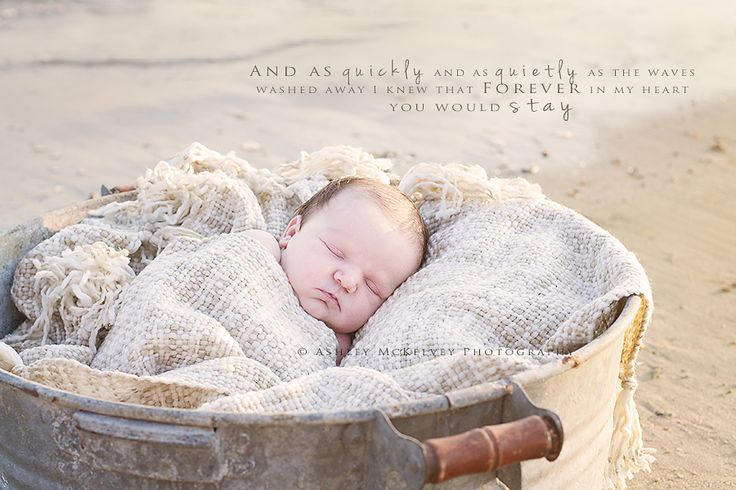 Newborn Photography | Newborn beach photography | ©Ashley McKelvey Photography