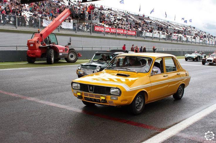 #Renault #R12 #Gordini à #Magny_Cours pour les #Classic_Days. Article original : http://newsdanciennes.com/2015/05/03/grand-format-news-danciennes-aux-classic-days-2015/ Issu de l'article : Grand Format : News d'Anciennes aux Classic Days 2015 #ClassicCar #Voiture #Ancienne