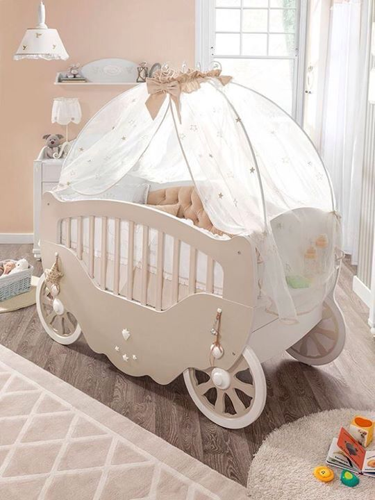 Cuna de bebé para mamás con mucho glamour :-) #decoración