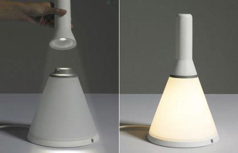 非常時に懐中電灯にもなる便利なインテリア照明!【Two Lamps】