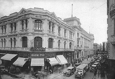 """""""Calle Ahumada esquina Huérfanos, Ritz hotel"""" (ca 1920-1930)"""