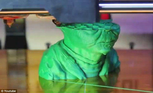 Clever the 3D printing is! Yoda helps explain the latest technology innovation