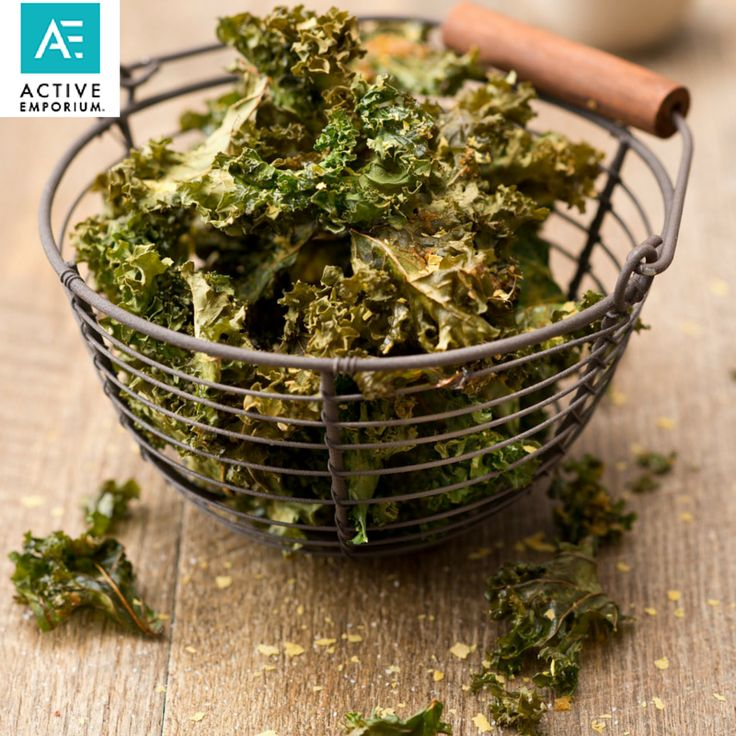 I fell in love with fresh kale chips in Salzburg. Who would have thought that a little salt, oil and heat could produce something so healthy and delicious! I discovered them at The Heart of Joy Café in Salzburg, an oasis of peace, with an atmosphere that uplifted both the body and mind,  Take a look at the recipe in my ebook: