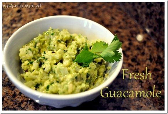 Guacamole (with jalapenos, cilantro, garlic, onion)Yummy Snacks, Cilantro, Drinks Food, Appetizers Sid, Delicious, Fresh Guacamole, Food Recipe, Dips, Sounds Yummy