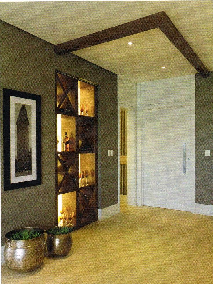 bar nicho embutido na parede iluminado x adega vinho