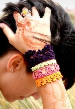 Plethora Antique Crochet Lace Cuff   crochet pattern by Holly Mock