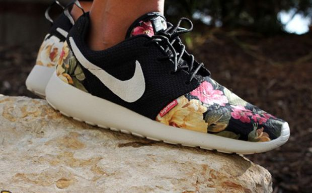 Low Cost Floral Nike Roshe Run - noble Wear Resistant Popular Nike Roshe Run Womens Shoes Red Black White Excellent Quality Nike Vip