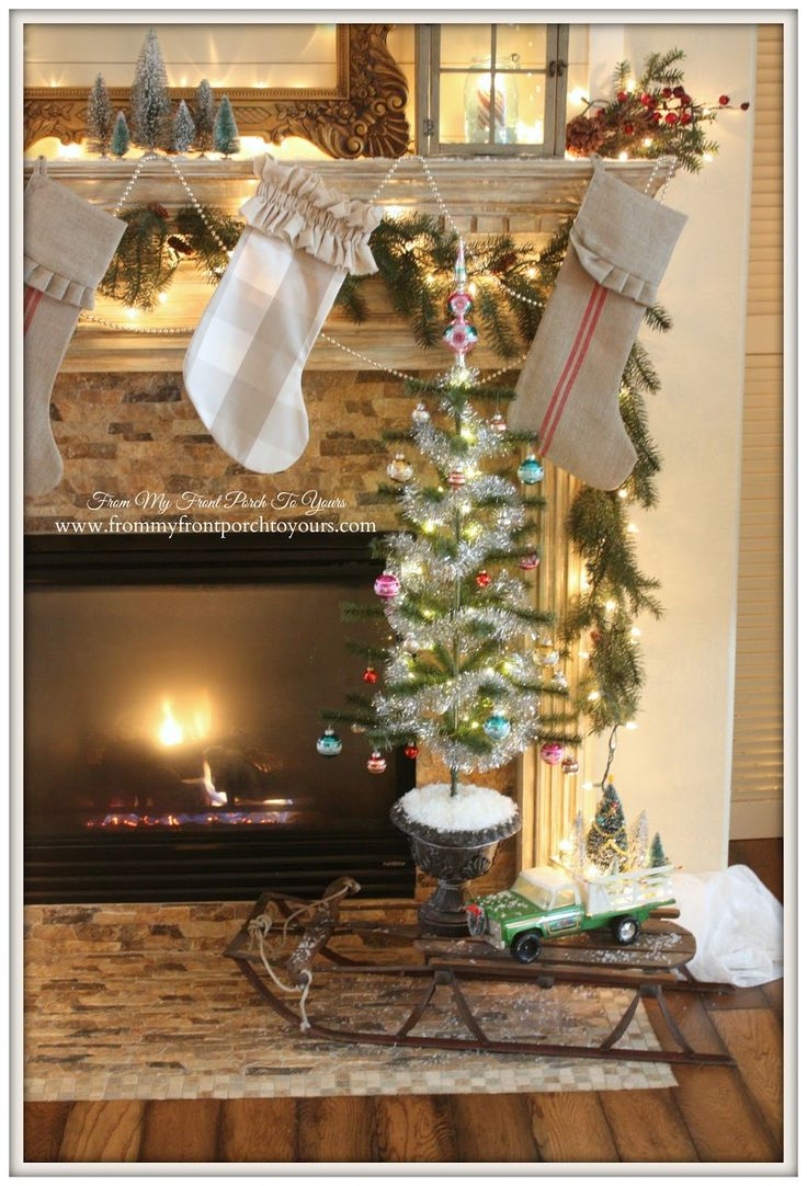 Country christmas mantel decor - Christmas Mantel 2014 Blog Hop