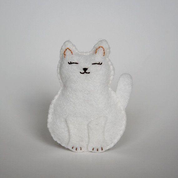 Little White Felt Cat Softie  'Annie' by littlegreymittens on EtsyFashion Style, Etsy Sonia, Softies Annie, White Felt, Felt Cat, Amigurumi Pattern, Cat Toys Orna, Bitty White, Cat Softies