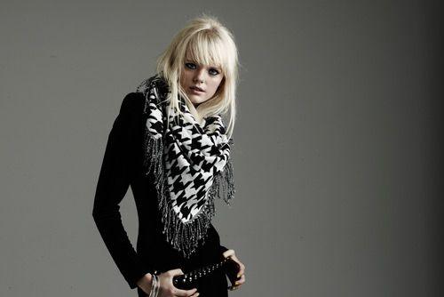 @Beck R- houndstooth scarf