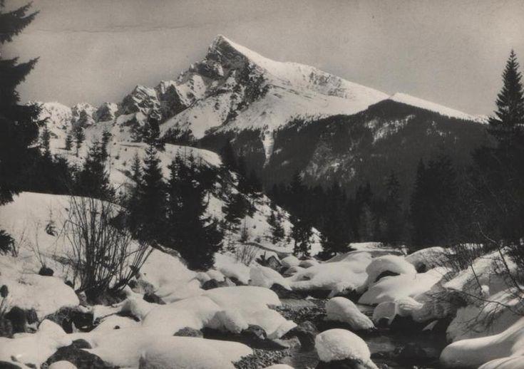 Kôprová dolina a majestátny Kriváň v zime - fotoarchív:Ján Králik - nedatované