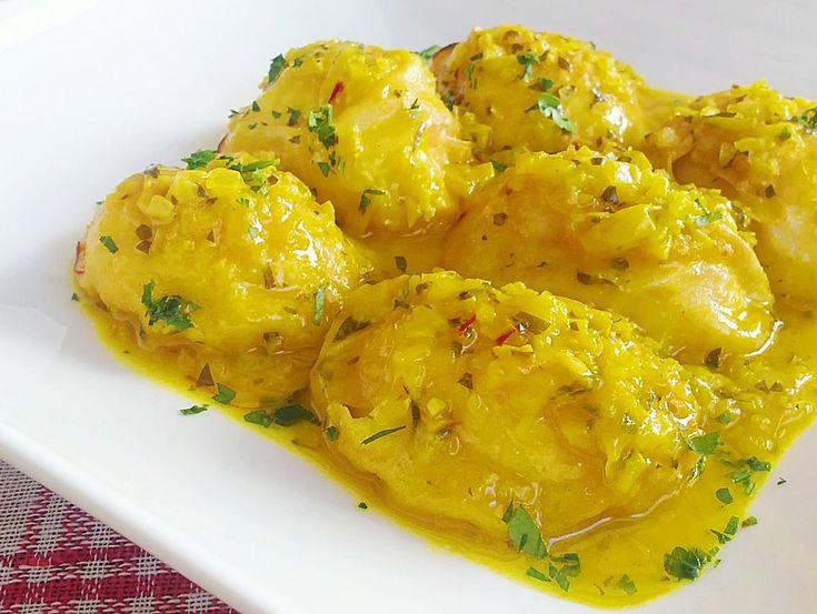 Huevos en salsa. Una original y diferente manera de disfrutar de unos huevos duros. Comparten la receta desde el blog Floruca.