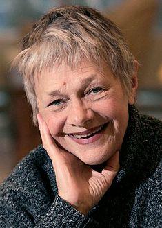 Estelle Parsons – Beverly Harris