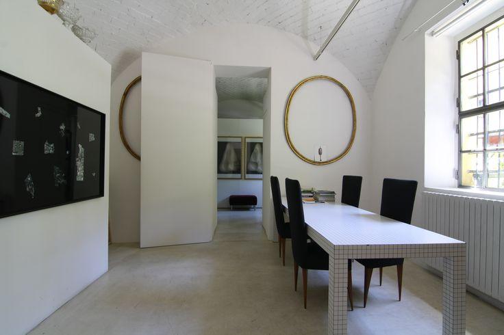 Location Bandello, Via Matteo Bandello 14 http://www.milanospacemakers.com/locations/69/via-matteo-bandello-14/spazio-matteo-bandello