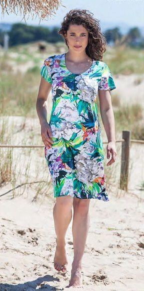 Vestido verano en estampación florar en tonos verdes de punto y manga de la firma textil Vania