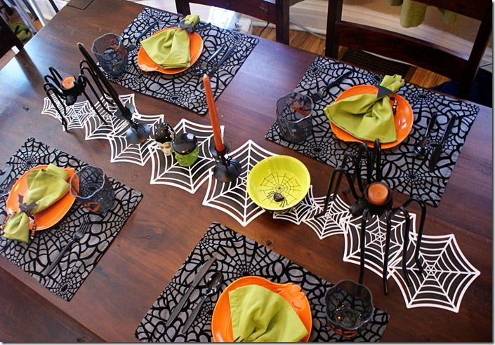 Halloween Table Setting @ Better Together: Table Settings, Halloween Decor, Halloween Tablescapes, Halloween Tables Decor, Better Together, Tables Runners, Halloween Tables Sets, Halloween Table Decorations, Spiders Web