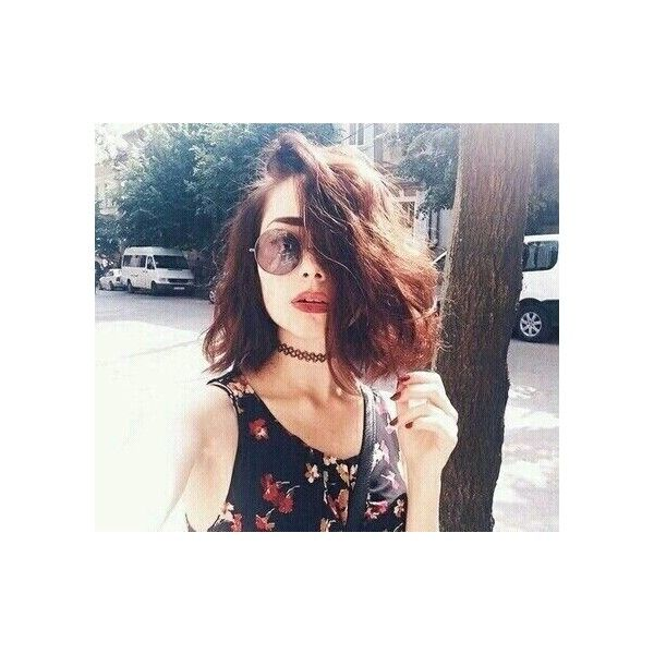 brunette, girl, grunge, hair, short hair ❤ liked on Polyvore featuring beauty products and haircare