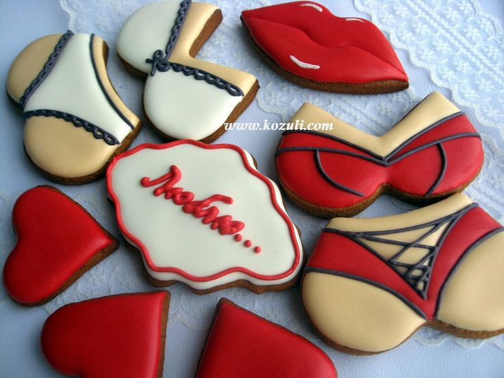@kozuli_com Valentine's Day cookies. Love Cookies. Lingerie cookies. Cookie decorating  with royal icing. Royal icing cookies. Decorated cookies. More cookie decorating ideas and video tutorials at www.kozuli.com / Видео мастер-классы по росписи пряников на www.kozuli.com
