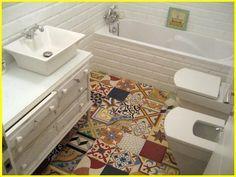 Mosaico de baldosas hidráulicas para el baño | NaturalFloor