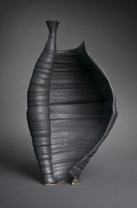 Ceramic Artst Penelope Withers thrown and altered vase?