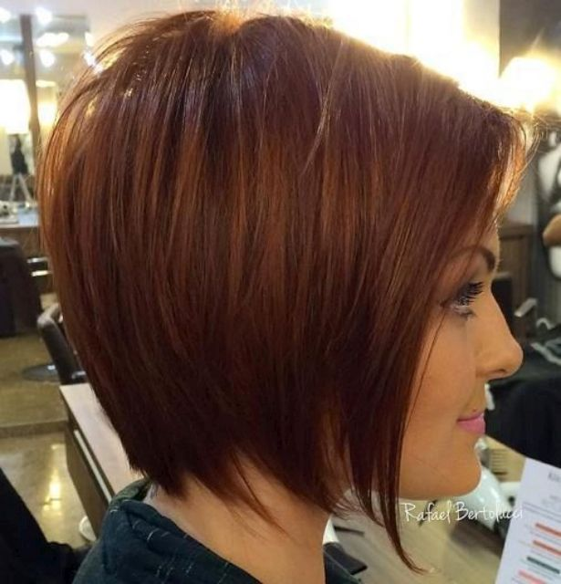 Tapered Auburn Bob Medium Hairstyles With A Silhouette Work Best For Fine And Textured Straight Hair It S Better To Pair Such Chic