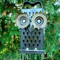 http://thriftyrebelvintage.com/2016/08/repurposed-junk-owl-wind-chime.html/