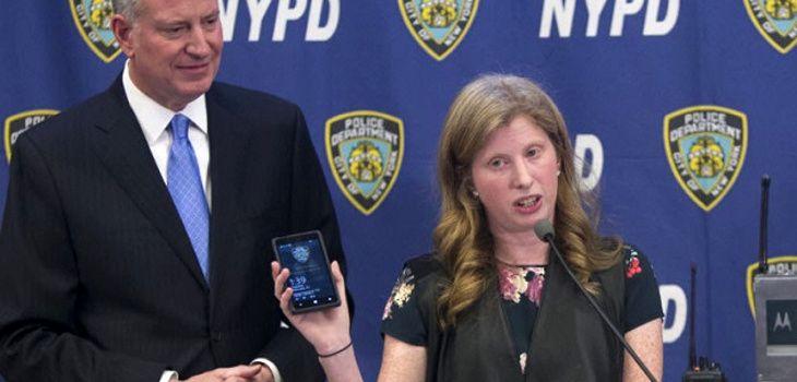Policía de NY botará 36 mil teléfonos con Windows por capricho de la hija de un millonario - BioBioChile